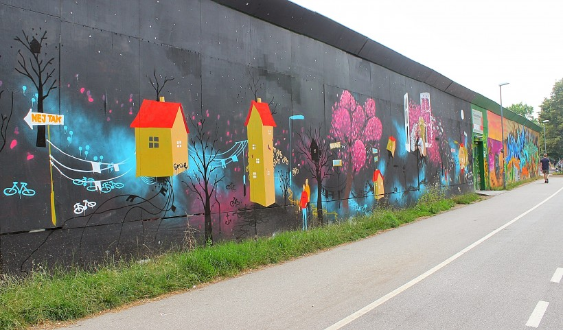colorful public space take over in copenhagen, streetart, graffiti